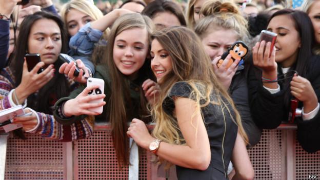 """Zoella, la nueva """"reina de internet"""" que revoluciona a los adolescentes"""