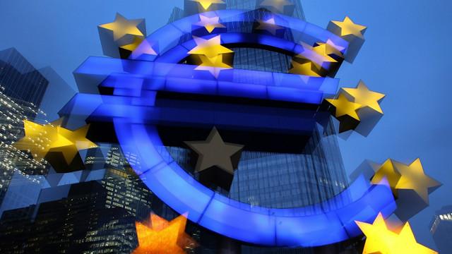 Bơm thêm 1.1 ngàn tỉ euro vào eurozone