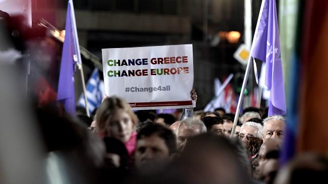 Vitória da esquerda na Grécia desperta esperança e temor na ... - BBC Brasil