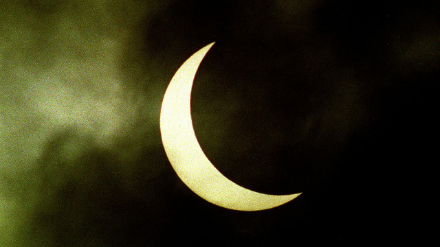 150317212153_solar_eclipse_promo_640x360