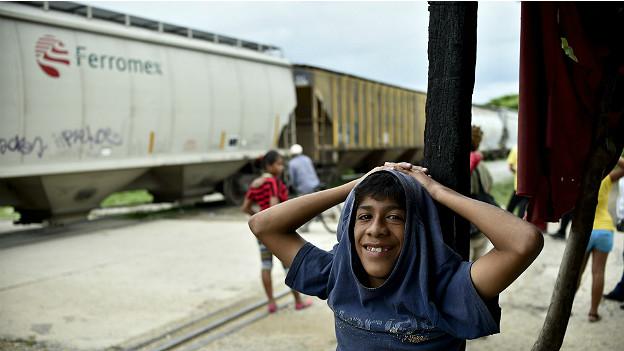 Niño migrante a su paso por México