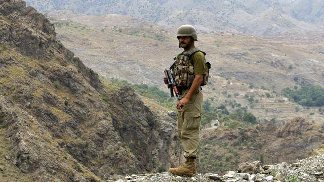 امریکا پر پاکستان میلیونونه ډالره پوځي مرسته درولې