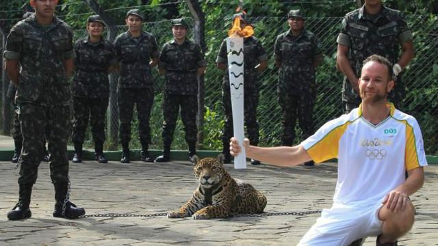 برازیل کې د اولمپیک د مشعل غلا کولو هڅه شوې