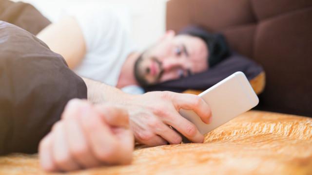 هل يمكنك التخلي عن هاتفك الذكي والعودة للجوال التقليدي؟