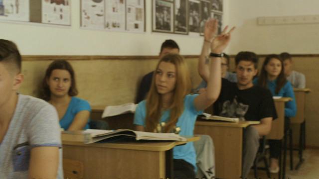 د رومانيا ماشومان چې پلرونه يې د اروپا نورو برخو کې کار کوي