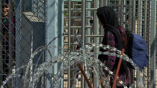 Парламент Венгрии не поддержал запрет квот для мигрантов