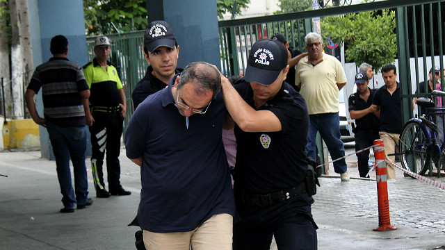 160722010325_turkey_arrests_640x360_ap_nocredit