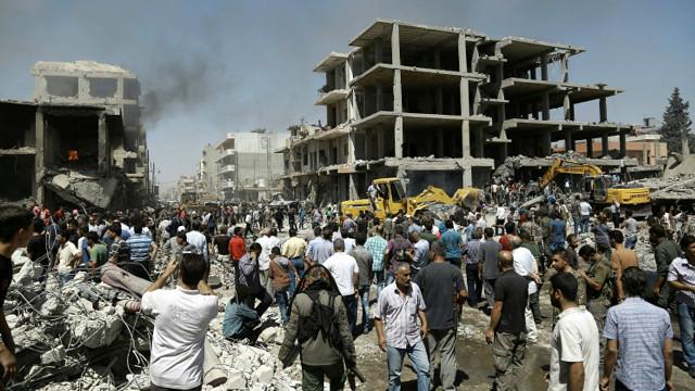 160727093644_syria_bomb_blast_kurd_city_qamishli_640x360_afp_nocredit
