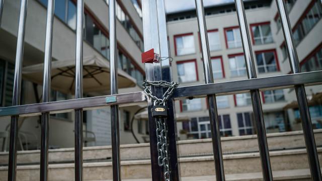 إغلاق العشرات من المؤسسات الإعلامية في تركيا