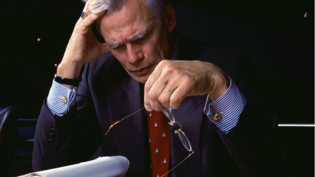 العمل أكثر من 25 ساعة أسبوعيا بعد الأربعين قد يضر الدماغ
