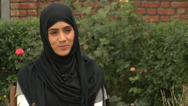 160729123628_afghan_girl_mountain_climbing_640x360_bbc_nocredit