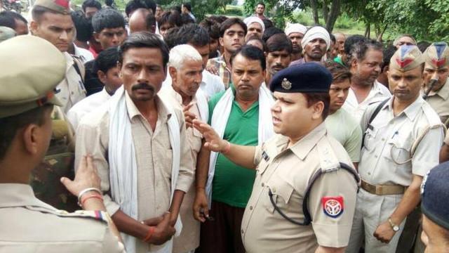 هند: هټیوال د ۱۵ روپیو پور له کبله ميړه او مېرمن یې ووژل