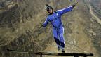 نوی ریکارډ؛ له پراشوټ پرته ۷۶۰۰ متره ارتفاع نه راټوپ کول