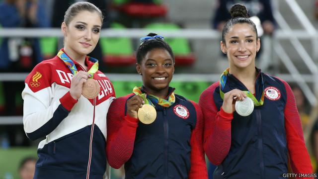 اولمپيک سياليو شپږمه ورځ، امريکايي فېلپس د سرو زرو ۲۲ م مډال وګاټه