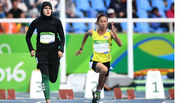 ريو اولمپيک: د سعودي ښځینه منډې وهونکې تاريخ جوړ کړ