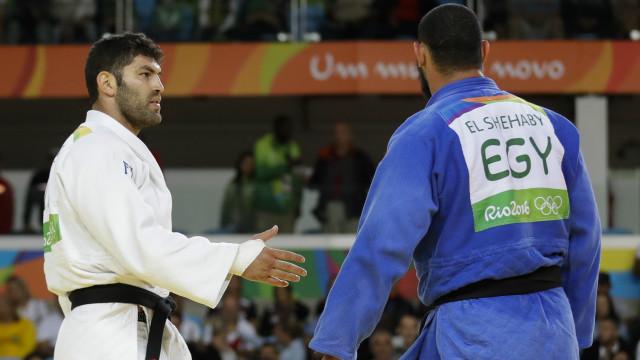 اولمپيک ۲۰۱۶: مصری لوبغاړی اسرائيلي سيال ته د لاس نه ورکولو له کبله شړل شوی
