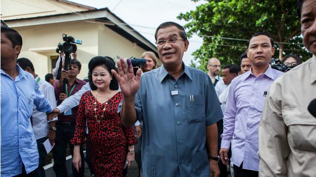 Hun Sen 'khó chịu' vì bình luận của người Việt