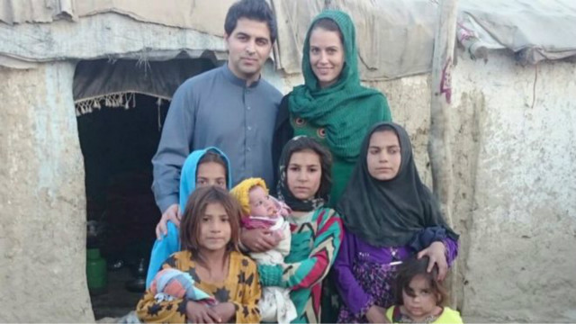 160930185156_dr_waheed_arian_and_his_wife_davina_at_an_afghan_refugee_camp__640x360_teleheal_nocredit