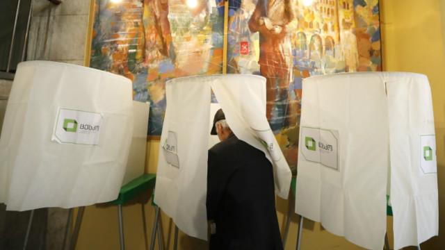В Грузии проходит второй тур парламентских выборов
