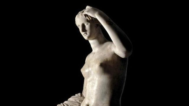 Официант отбил палец у статуи Венеры в Британском музее