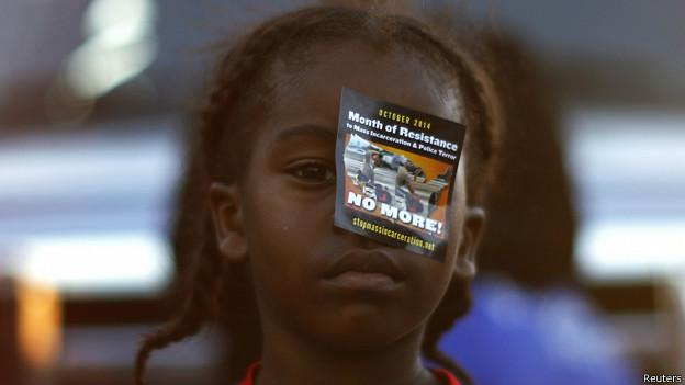 manifestante por el caso en Missouri